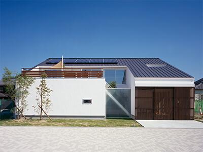 加古川モデルハウス ソラマドの家 -- 空に向かって大きく開いた窓
